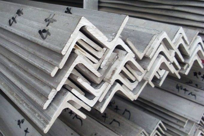Stainless Steel Angles Manufacturers, Suppliers, Exporters, SS 304 Angles, SS 316L Angles, Stainess Steel Duplex Angles
